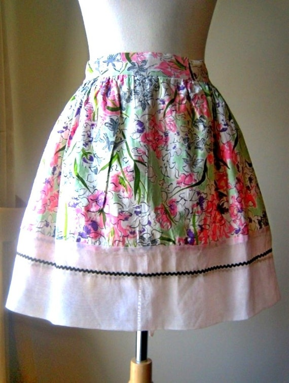 Bottom cover pinafore vintage chef cook pink flowers chintz reversable