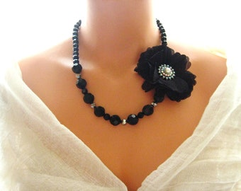 Black Brooch beaded necklace