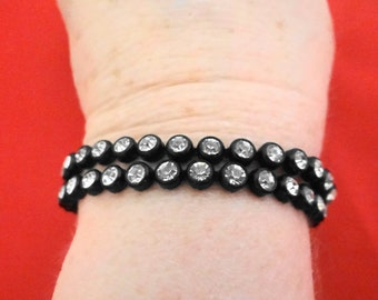 "Vintage 7"" rhinestone braclet in black metal setting in great condition, great, sparkly stones"