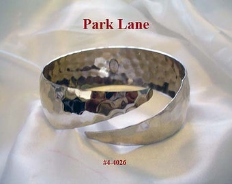 FREE SHIP Vintage Park Lane Hammered Silver Bangle Bracelet (4-4026)