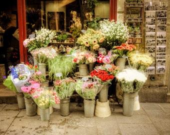 Paris Photograph Flowers Photo Parisian Flower Shop France Pastel Tones Shabby Chic Fine Art Print par57