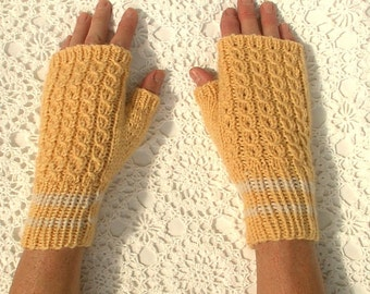 Mittens Fingerless Texting Yellow Cables Eyelet Hand Knit Women Ladies Teens