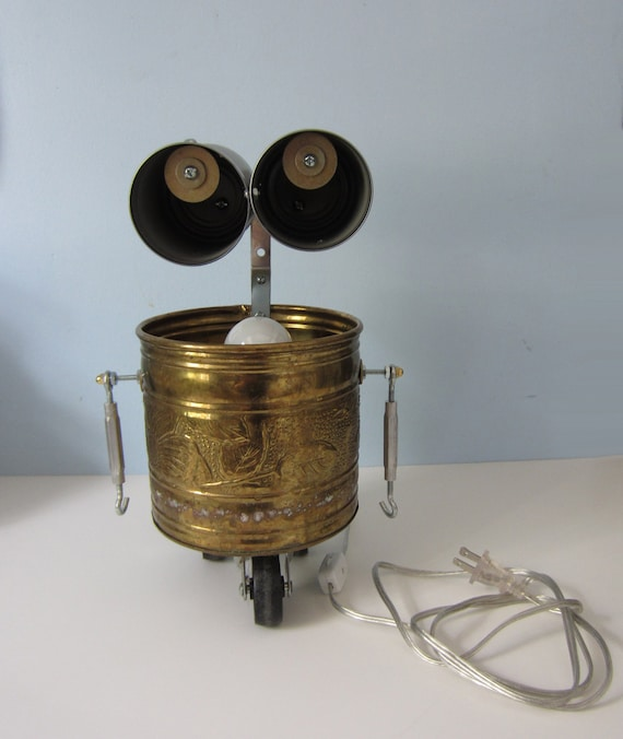 Wheeled Robot Assemblage Lamp