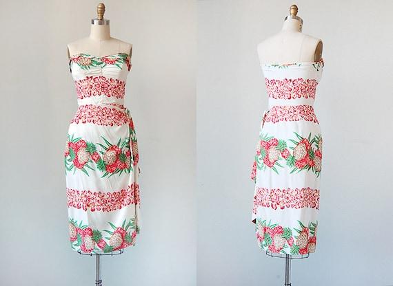 vintage 1950s bombshell dress / vintage bombshell dress / 1950s strapless dress