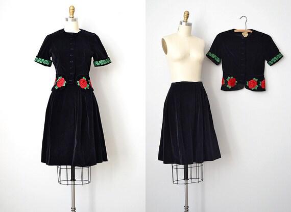 vintage 1940s suit set / vintage 1940s suit / vintage 40s velvet blazer skirt / Inlaid Roses Suit Set
