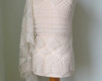 LUNA, Crochet shawl pattern pdf