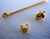 complete 18k gold - pin back