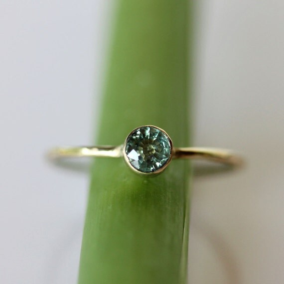 Green Sapphire 14K Gold Ring, Gemstone RIng, Stacking RIng - Made To Order