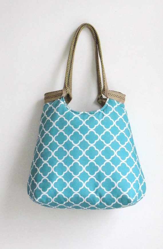 Turquoise quatrefoil carry all handbag with burlap, summer fashion