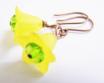 SALE - Squash Blossom - Lucite earrings - affordable gifts - autumn - yellow green brown - beach - holiday - warm fall hues