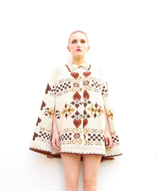 60s Folk Cape - Folk Poncho - Folk Capelet - Fall Fashion - Sweater Knit Cape - 1960s Folk Art - Ivory // Brown - S M L ONE SIZE