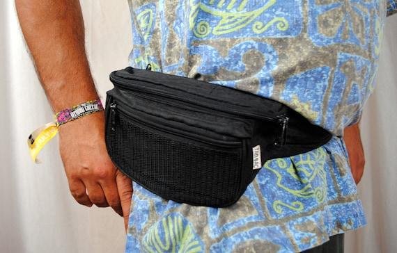 Vintage Tan Sac Basic Black 80s Fanny Pack