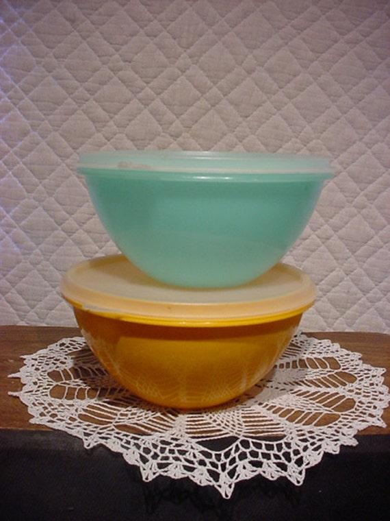 Tupperware Bowls set of 2