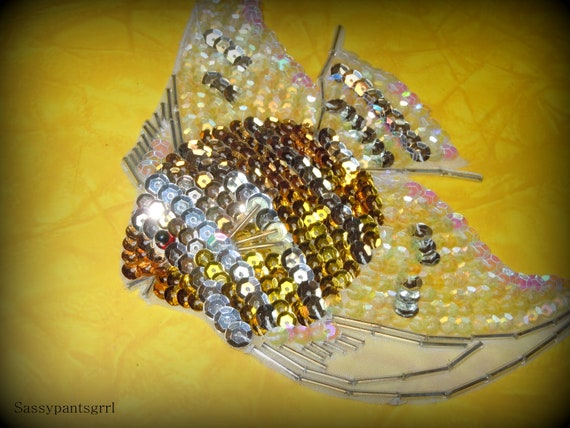 VINTAGE Beaded and Sequin Angel Fish Applique.   Retro Kitsch.  Free Shipping.