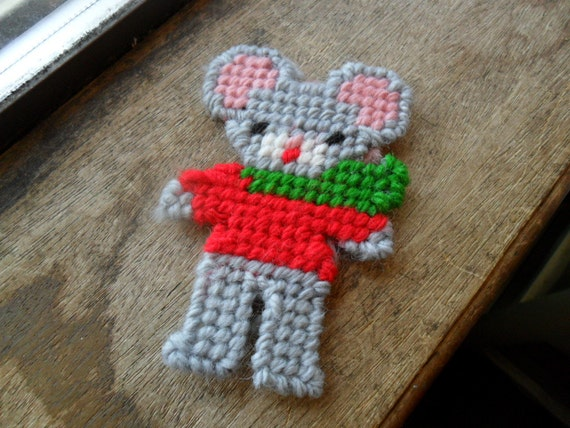 Holiday mouse canvas, christmas ornament (1)