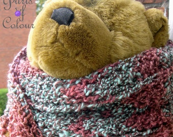 Long handknitted warm scarf in handspun yarn: Red Lace and Seaglass