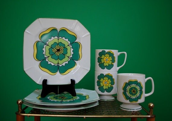Set of 1960s Floral Print Ceramic Plates and Cups