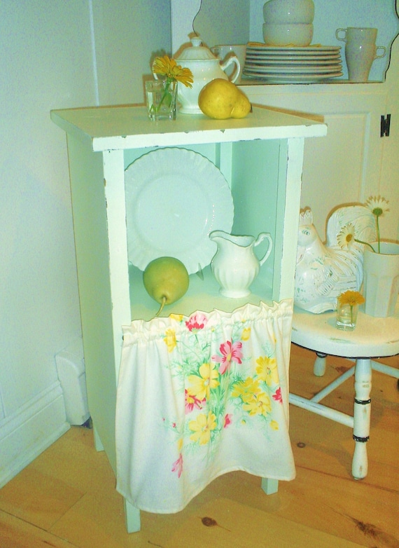 Reserved...this item sold    shabby chic table  furniture    cottage