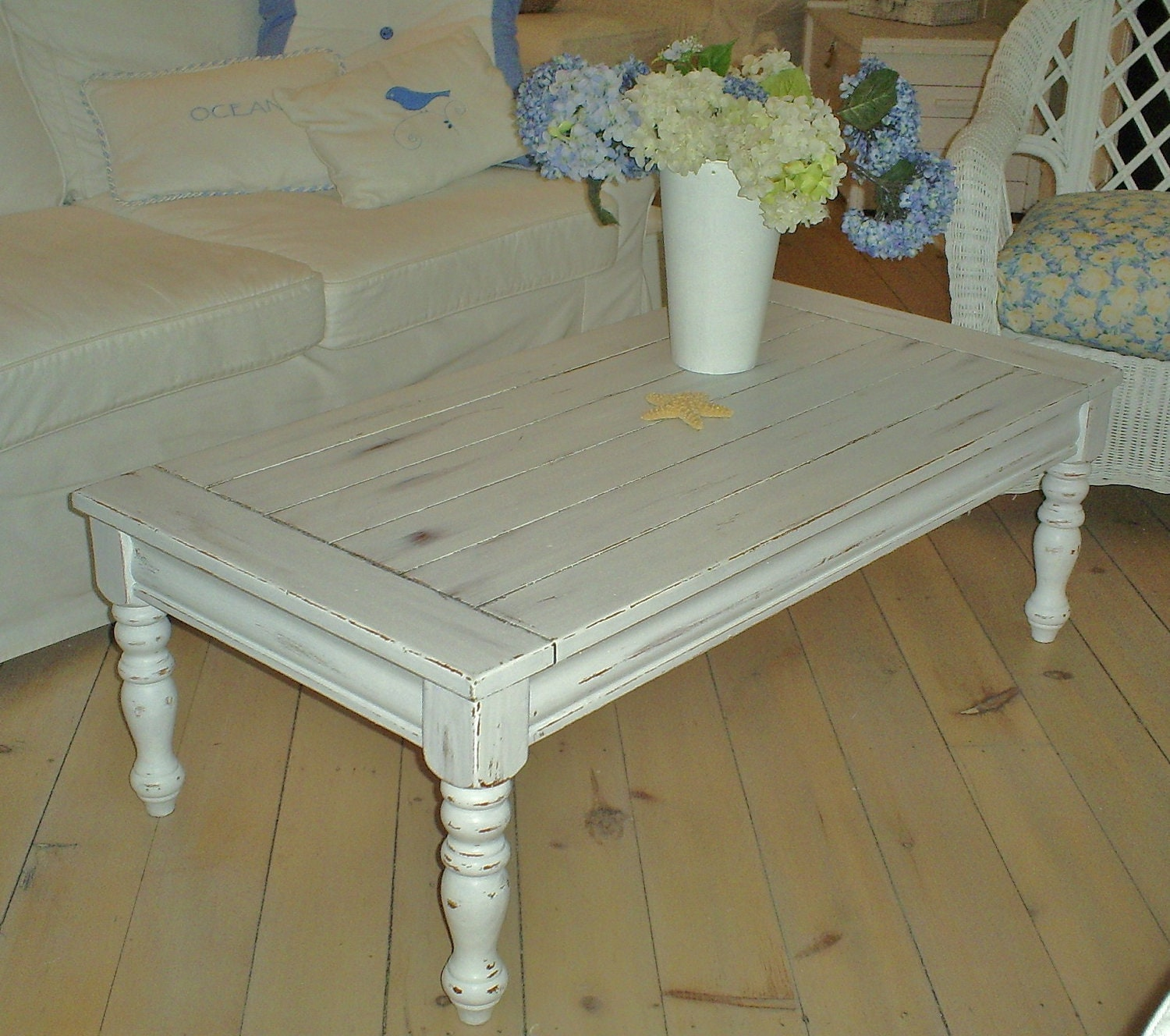 shabby chic coffee table sold by backporchco on etsy. Black Bedroom Furniture Sets. Home Design Ideas