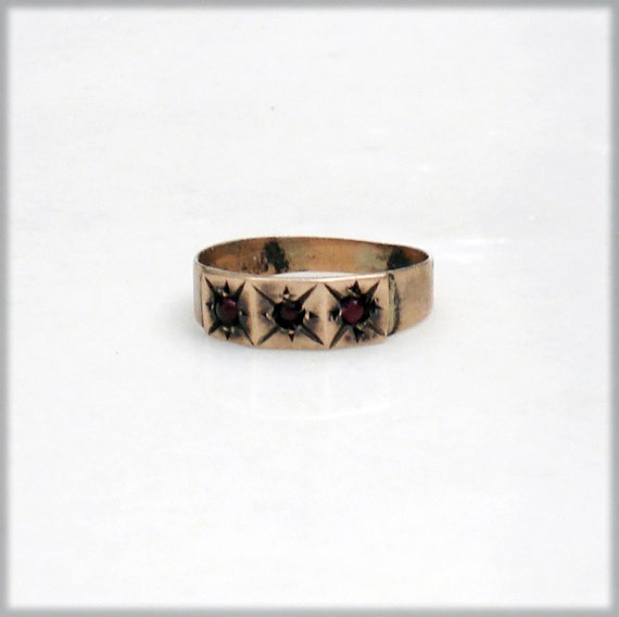 Victorian 10k Gold Baby's Ring withGarnets