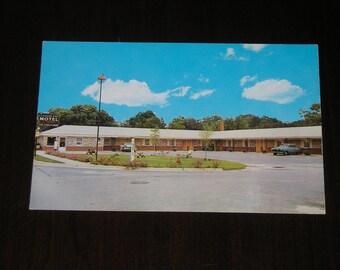Unused Picture Postcard Clover Leaf Motel Kenly North Carolina