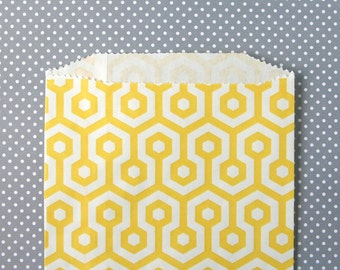 Yellow Honeycomb Goody Bags / Favor Bags / Treat Bags (20) - 5 x 7.5 inches