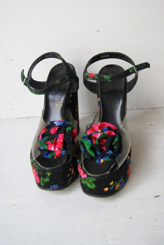 Vintage Floral Platform Sandals Size 5