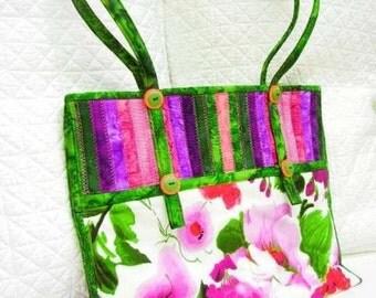 Aunties Two Sugarloaf Swing Bag Batik Handbag Project Tote Sewing Pattern