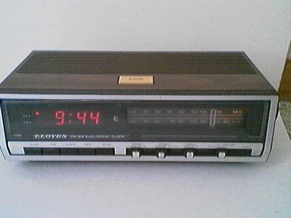 Lloyds Wood Grain Look Finish Fm Am Electrical Alarm Clock