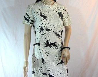 50s Handmade Floral Dress with Vinyl Bow Belt Size M L