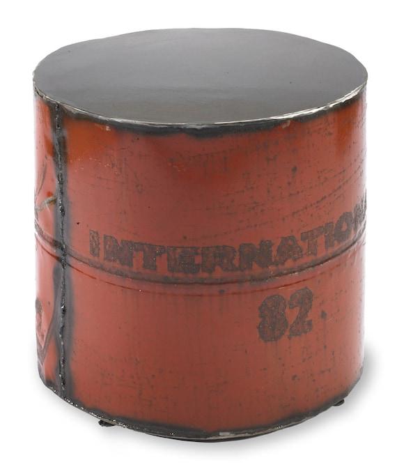 Metal Table  International 82 Round