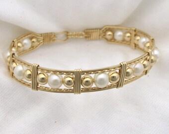 Cultured Pearl Bracelet in Gold