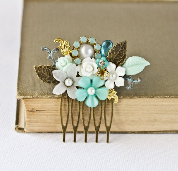 Bridal Hair Comb - Summer Wedding Hair Accessories, SeaGlass Mint Green Turquoise Bridal Hair Accessory Summer Bride Vintage Something Blue