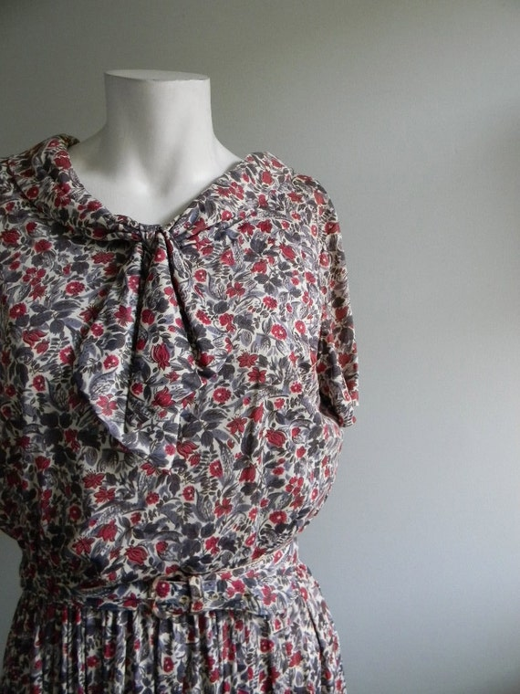 vintage. 50s Red and Purple Day Dress / S M