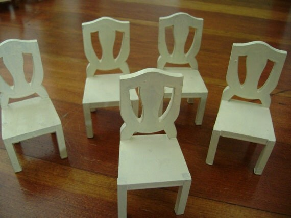 five little dollhouse chairs