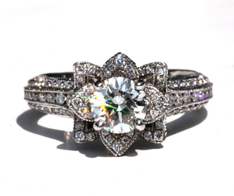 zoom - Lotus Wedding Ring