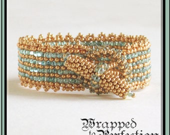 Gold & Aqua Seed Bead Bracelet / Peyote Stitch Beaded Toggle / Bysantine Bangle / Opulent Beadweaving / Nubbly Texture / Allergy Free / OOAK