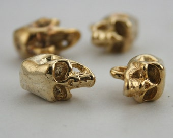4 pcs. Gold Skull Charms Sewing Buttons Fashion Jewelry Decorations 17 mm. SK G 1012