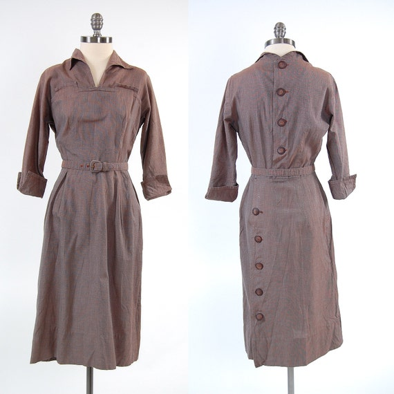 Vintage 40s 50s fitted wiggle dress BIG BUTTON back / Size 26 27 inch waist