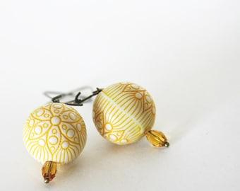 mustard flowers earrings - resin - wedding bridesmaid - cream yellow antique bronze