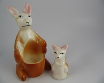 Vintage Kangaroo Salt and Pepper Shakers, Mother and Joey, Baby, Ceramic Pair Set