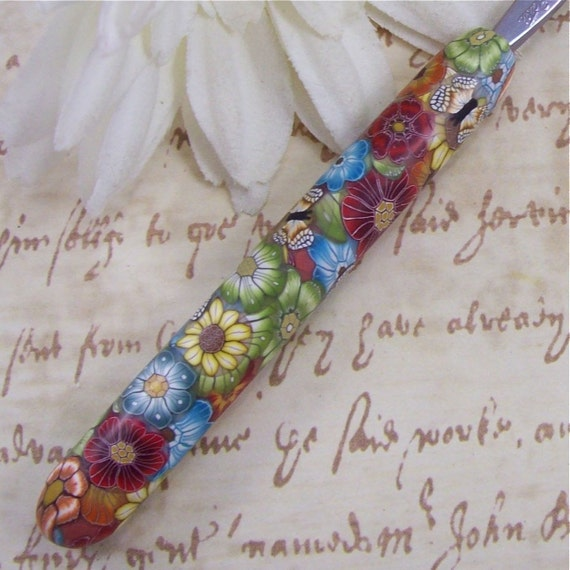 Susan Bates Polymer Clay Covered Crochet Hook, Size F 5/ 3.75mm