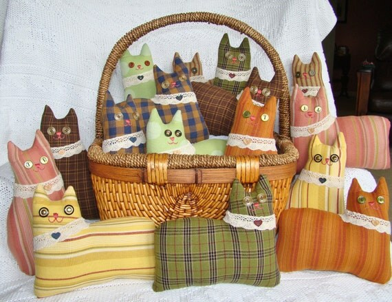 Homespun Cat Pincushion and Basket Filler