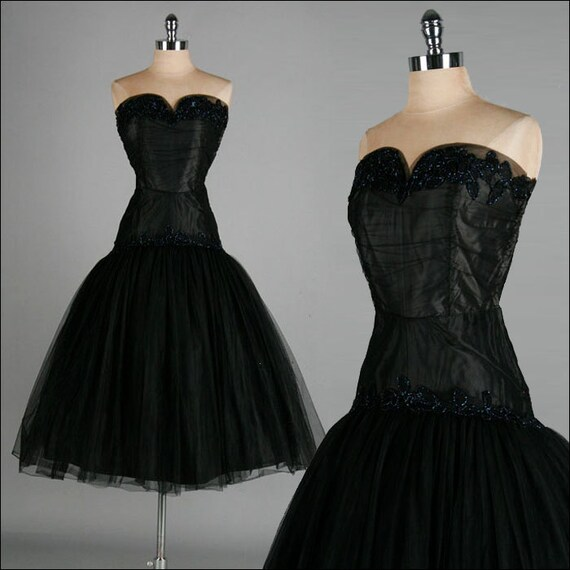 Vintage 1950s Dress . Black . Chiffon . Lace . Drop Waist . Strapless . Full Skirt . S/M . 2295
