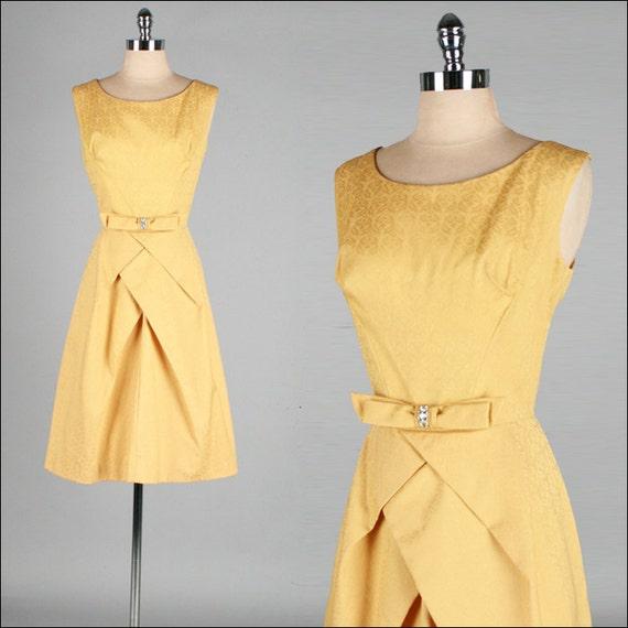 Vintage 1950s Dress . Gold Cotton Brocade . Rhinestone Brooch . M . 2070