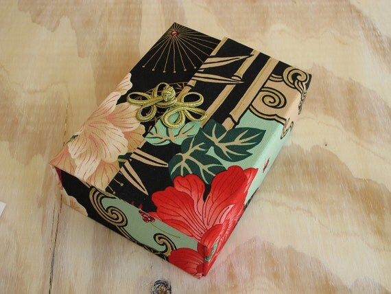 Red, White & Gold  Asian Flowers Scrap Box 5x7