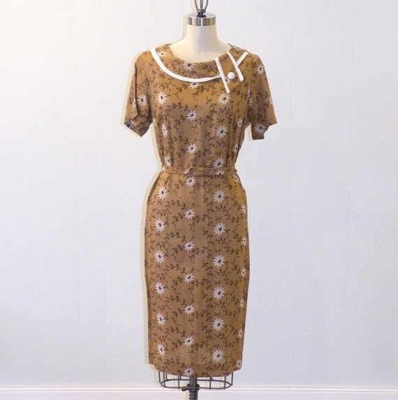 1960s Dress / 60s Dress, Brown Linen Flocked Floral Daisies Sheath Dress, Rhinestone Button Collar Accent, Belted Waist, Vintage Shift Dress