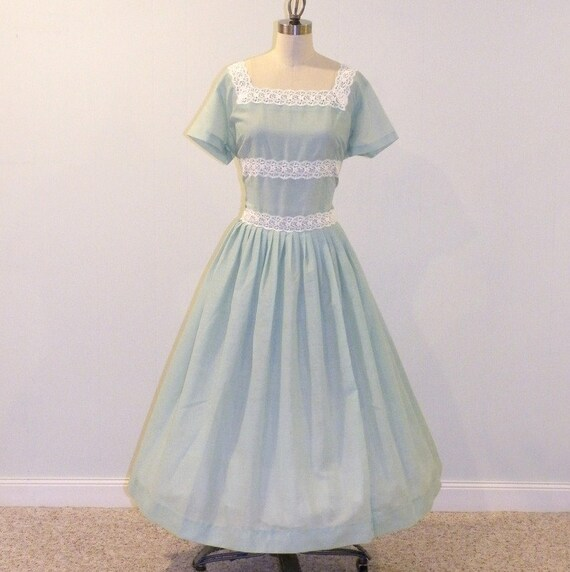 Vintage 50s Dress 50s Plus Size Dress Mint Green Cotton Plissette & White Lace Full Skirted Day Dress, Vintage Rockabilly XL Plus Size