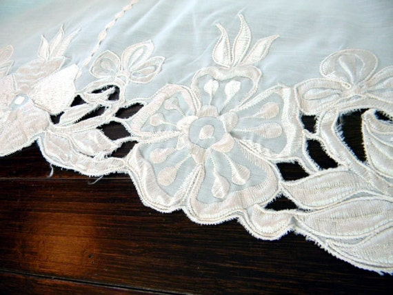 Large Table Cloth Polyester Machine Embroidered Tablecloth - Cream and Gold  7921