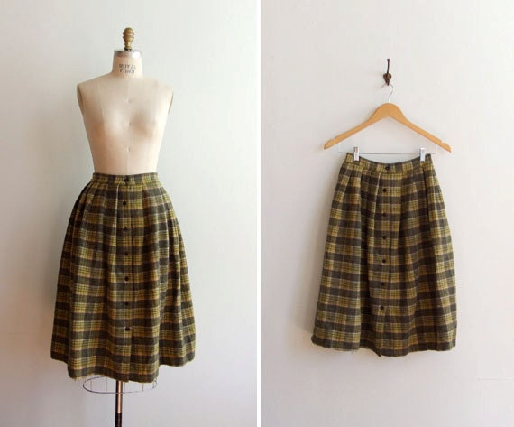 50% OFF SALE / Vintage 1950s wool button up circle skirt